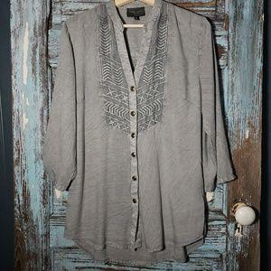 Romeo & Juliet Couture Grey Popover Top Sz Med